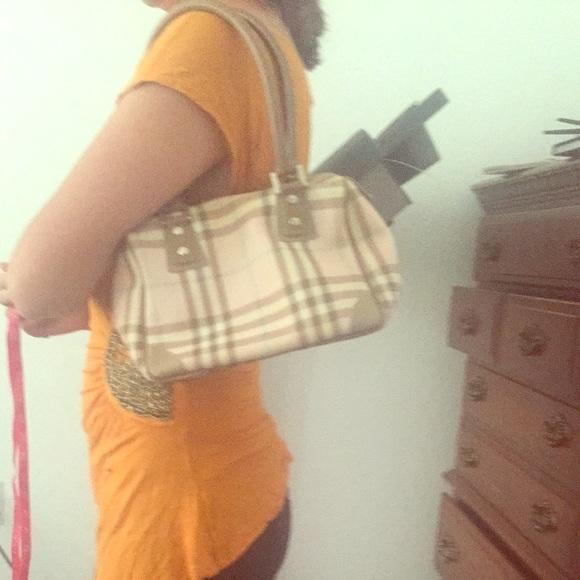 7997ced22c8e Burberry Handbags - Authentic pink Burberry small purse